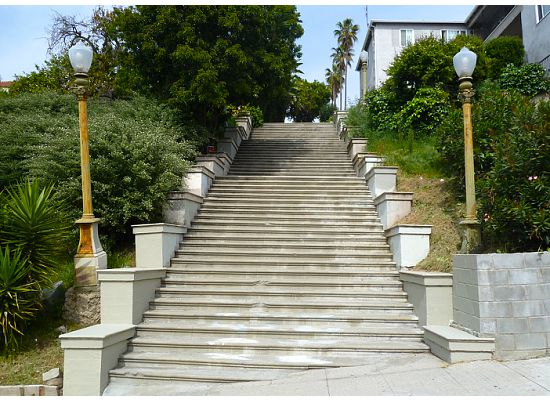 Charles Fleming Rates This Walk At Level 2, Making It The Easiest Walk In  The Book. The Second Set Of Stairs Off Of Laveta Terrace Is Echo Parku0027s  Most ...