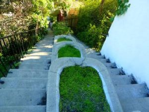 beachwood stairs down-karen-wood-stairwalkinginLA.wordpress.com